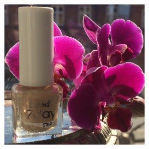 Nude nail Depend 3