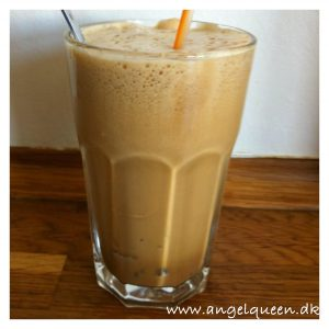 Ice coffee - Cooling on a hot day